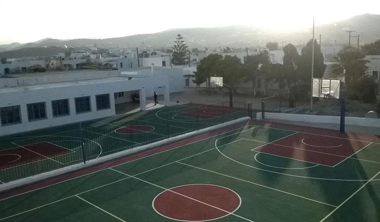 Renovation of outdoor basketball and volleyball courts of the primary school and gymnasium, Municipality of Antiparos